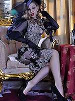 LacyNylons :: Ninette sexy lady in nylons