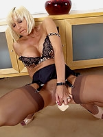 Jan's Nylon Sex Hardcore pics and videos with Fully Fashioned Nylon Stockings