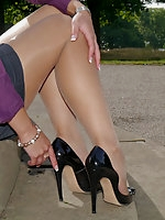 Sexy Maria is new to the site and she fully understands men's feelings for ladies shoes
